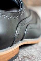 black-brogues5