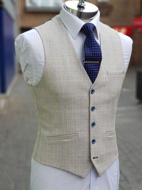 Cavani Caridi Mens Cream Slim Fit Textured Check Waistcoat - 36R - Suit & Tailoring